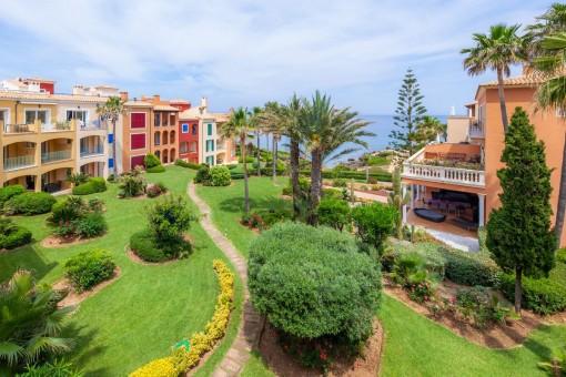 Penthouse in fantastischer Wohnanlage mit Außenpools, traumhaften Gärten und eigener Terrasse mit Meerblick in Betlem