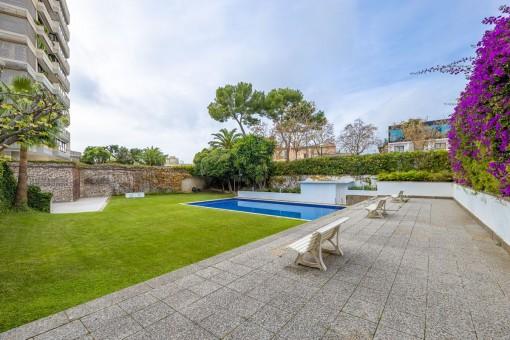 Spektakuläres Duplex mit mehreren Terrassen und Gemeinschaftspool in Son Armadans