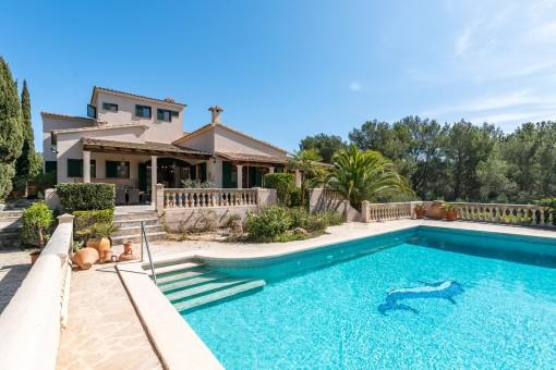 Wunderschönes Landhaus in Villenlage der Bucht von Cala Murada in unmittelbarer Strandnähe