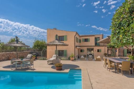 Traditionelle trifft auf Moderne - Stilvoll renovierte Finca mit Pool in Ses Salines