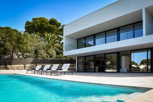 Spektakuläre Designervilla in 1. Meereslinie in Cala d'Or