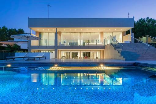 Moderne Villa in erster Meereslinie am Hafen von Bonaire in fußläufiger Entfernung zum Strand