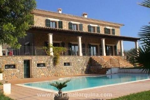 Herrschaftliche, sonnige Villa in Sa Coma