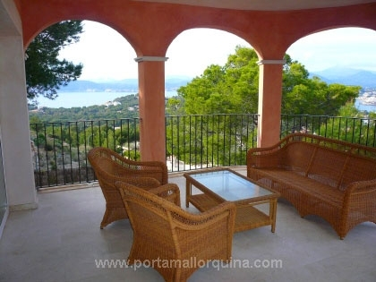 Villa mit Panoramablick auf die Bucht von Santa Ponsa, Meer und Berge