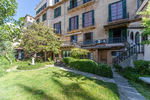 1. Linie Wohnung im historischen mallorquinischen Palast in Palma