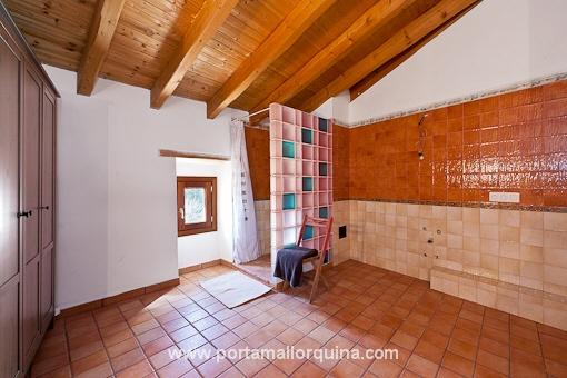 Restauriertes mallorquinisches dorfhaus for Como reformar una casa de pueblo