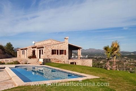 Eine der schönsten Natursteinfincas Mallorcas in Bestlage mit Meerblick