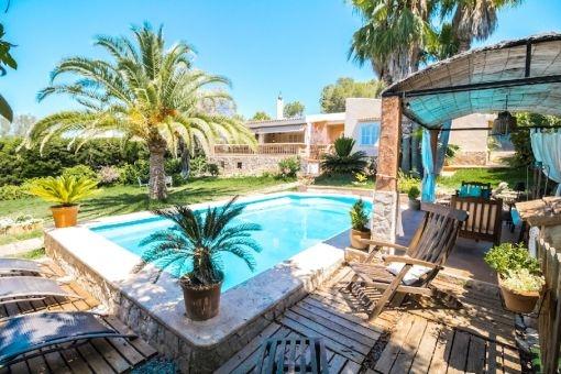 mediterrane villa auf einer wohnebene in strand und zentrumsn he kauf. Black Bedroom Furniture Sets. Home Design Ideas