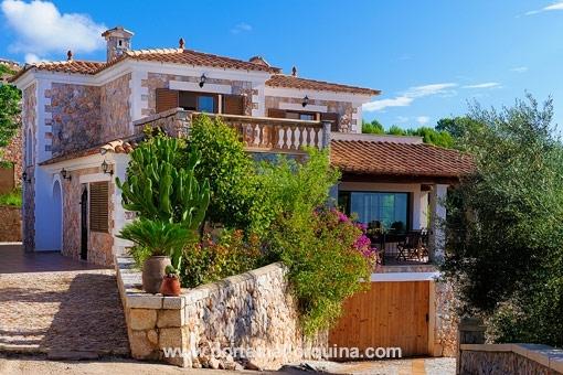 Villa in exklusiver Lage von Bunyola