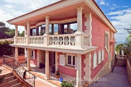 Villa in erster Meereslinie mit Panoramameerblick