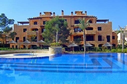 Möbliertes Apartment mit Terrasse und Gemeinschaftspool in Puig d Ros