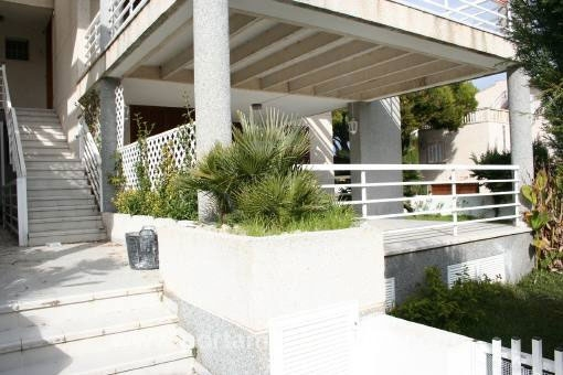 Möblierte Erdgeschosswohnung mit Garten in Strandnähe und ruhiger Wohnlage