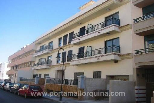 Großzügiges Erdgeschossapartment mit Terrassen in ruhiger Wohnlage in El Molinar