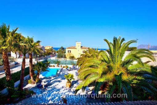 Vielseitige Villa mit 4 Apartments in Strandnähe in Son Serra de Marina