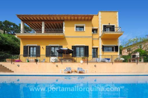 Fantastische, geräumige Villa mit genialem Ausblick