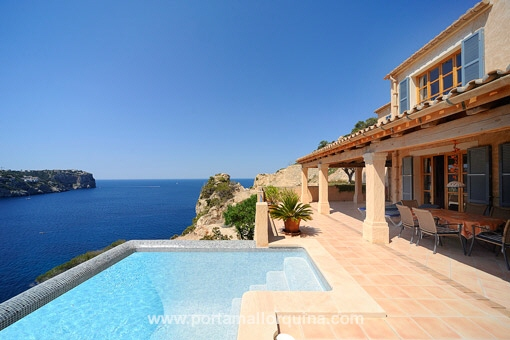 Luxury property with sea views in Puerto Andratx