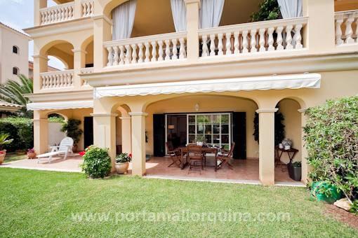 Erdgeschosswohnung mit Garten in gepflegter Wohnanlage mit Gemeinschaftspool