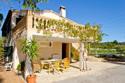 Rustikale Finca mit zwei separaten Wohnungen und großem Grundstück in Establiments