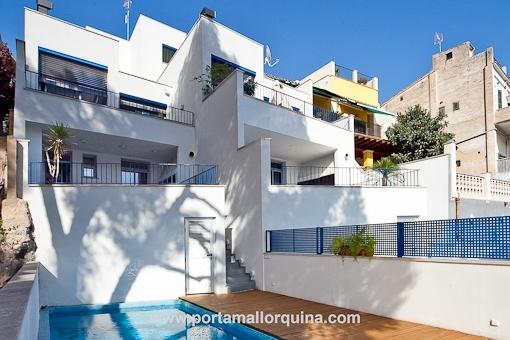 Moderne häuser mit pool  Modernes Haus mit in fantastischem Design in El Terrano