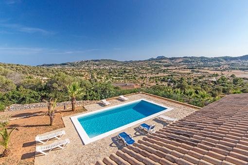Großzügige Poolfinca mit spektakulärem Ausblick über Mallorca