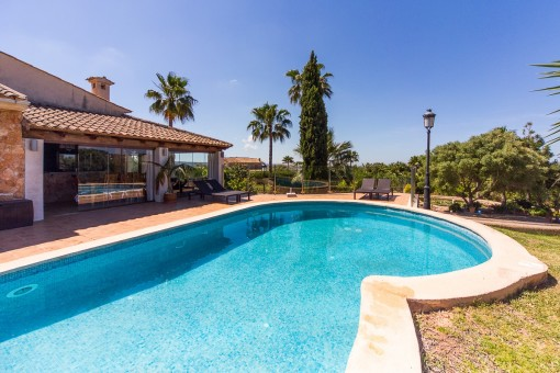 Beeindruckende Finca in Puntiro - mit Blick aufs Meer und auf Palma