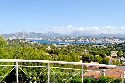 Möblierte Villa mit Traumblick über die Bucht von Santa Ponsa