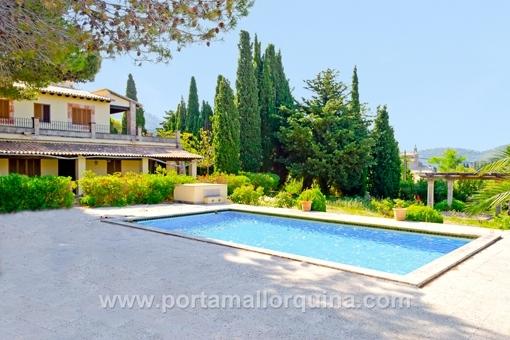 Groß, größer, riesengroße Villa in Valldemossa
