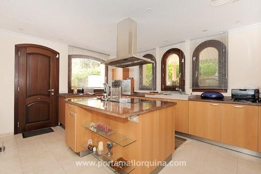 Küche, verbunden mit dem Esszimmer