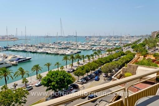 Hübsches, kleines Meerblick-Penthouse-Apartment direkt am Paseo Maritimo