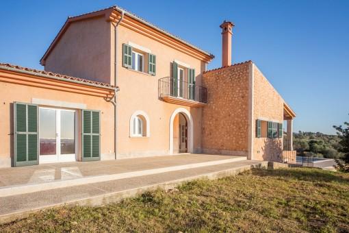 Neubau-Villa mit großem Grundstück und Meerblick in Palmanähe