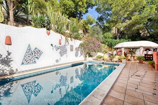 Mediterrane Villa in idyllischer Ruhelage mit Panoramablick.