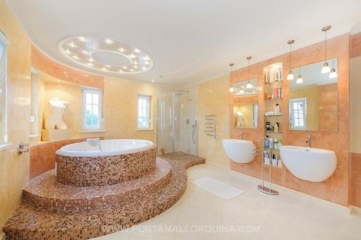 Badezimmer:  Http://www.porta Mallorquina.de/immobilien/104514 Villa Vallgornera  Badezimmer Luxurioes