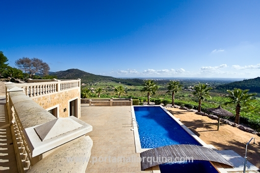 Natursteinfinca mit einmaligen Panoramablick und großem Gästehaus in Alaro