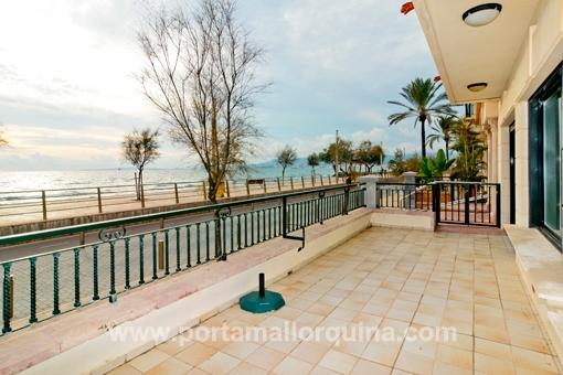Traum-Meerblick-Wohnung direkt an der Promenade von Portixol/Molinar