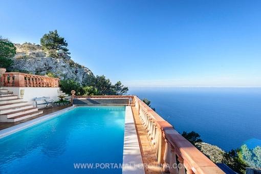 Fabelhafte Villa in erster Meereslinie mit spektakulärem Blick