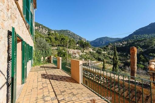 Reihenhaus mit wunderschönem Blick über das Tal in Valldemossa - Erstbezug