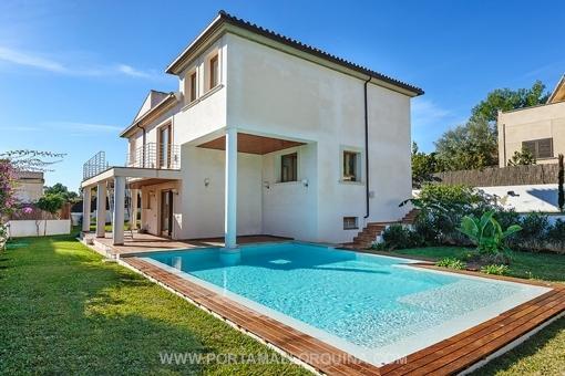 Neu gebaute moderne Villa