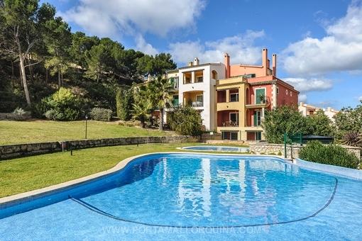 Moderne Wohnung in mediterraner Anlage mit Swimming-Pool