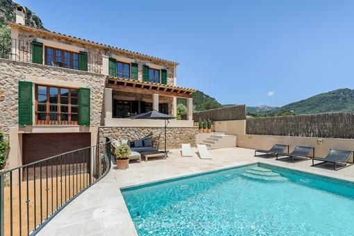 Wunderschöne und moderne Villa in Valldemossa mit Pool und Traumblick