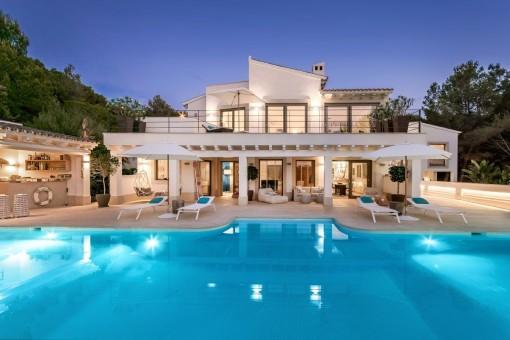 Großartige Luxusvilla mit Blick auf den Golfplatz