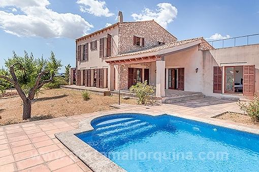Finca mit Gästehaus und imposantem Panoramablick nahe Artà