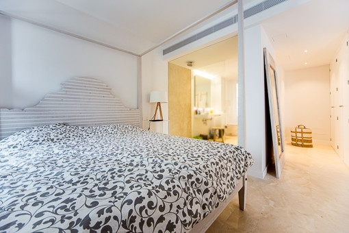 Hauptschlafzimmer mit eigener Dusche