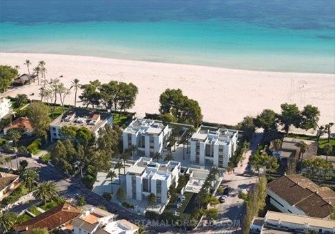 Luxuriöse Neubauwohnungen in einmaliger Lage direkt am Strand von Alcudia