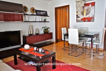 Sehr schöne Wohnung mit großem Patio und 2 Balkonen