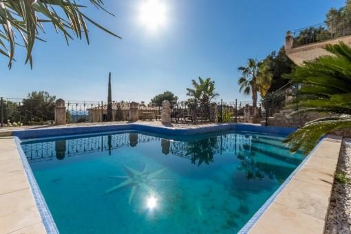 Repräsentativer mallorquinischer Palast mit Meerblick in Bendinat