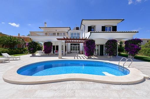 Außergewöhnliche Villa in der Nähe von dem Strand Cap Falco