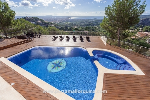 Exklusive Villa mit spektakulärem Blick über die Bucht von Palma