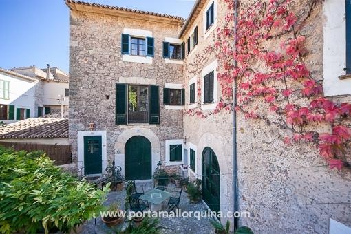 Wunderschöne Wohnung integriert in einem historischen Dorfhaus Gebäude in Valldemossa