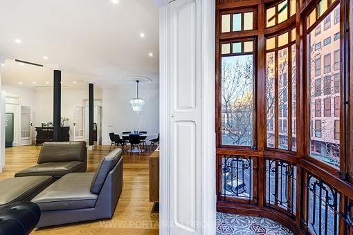 Stilvolle Altbauwohnung mit hohen Decken in ruhiger Lage