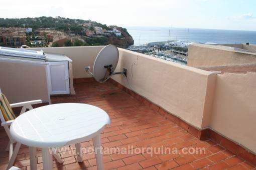 Nette Wohnung in El Toro mit Blick auf Port Adriano